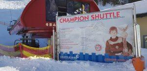 Ein Denkmal für die große Skifahrerin Annemarie Moser-Pröll.