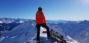 Von der Aussichtsplattform auf dem Masnerkopf sieht man die Gipfel der Samnaungruppe.