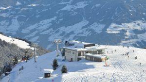 Hoch über dem Zillertal - die Bergstation der Möslbahn